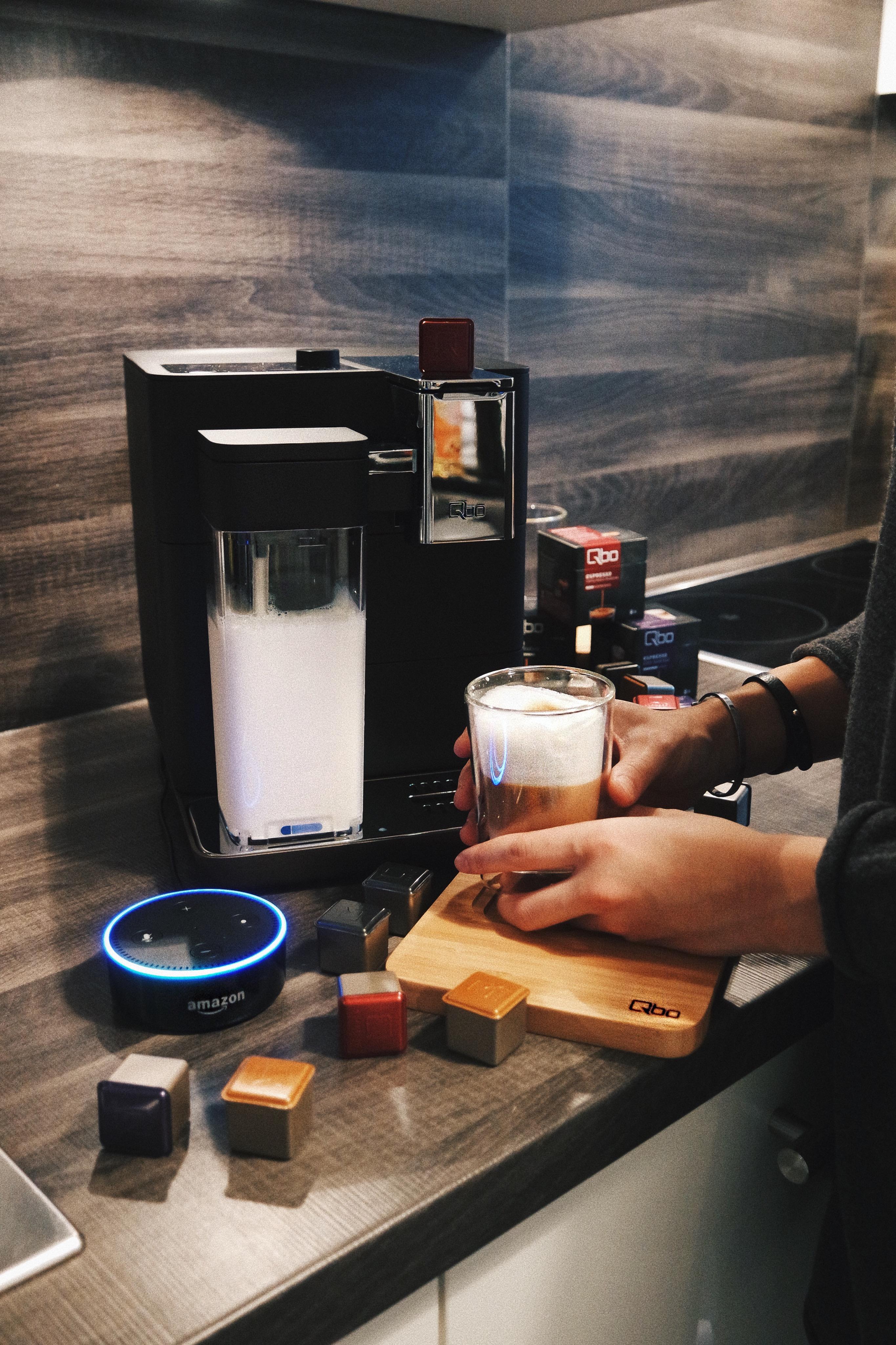 Kann eine Kaffeemaschine smart sein? | Qbo trifft auf Alexa